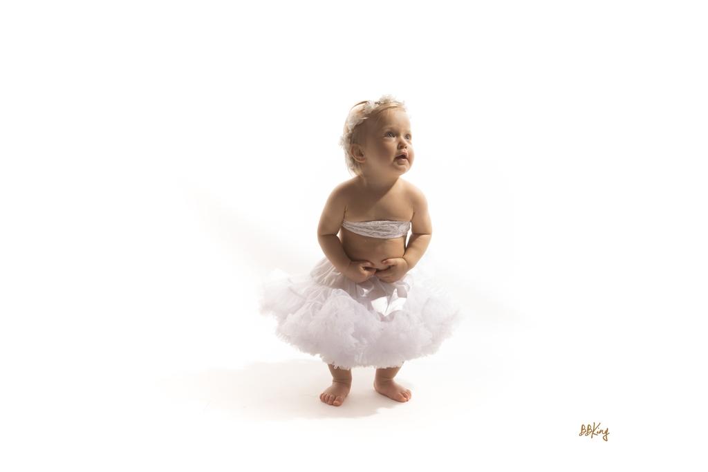 Photo enfant avec robe de mariée